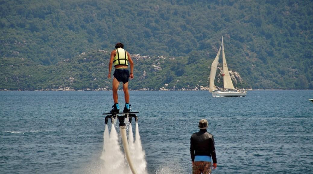 Dárek pro muže Flyboarding na Dalešické přehradě