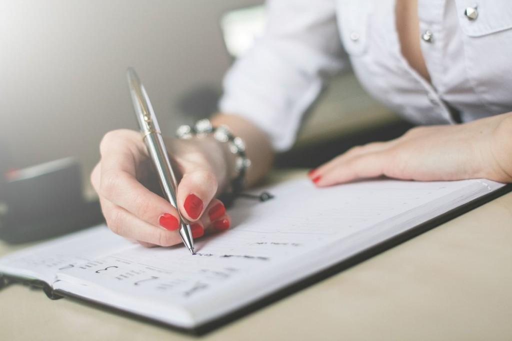 V přemýšlení hodně pomáhá napsat si své myšlenky na papír