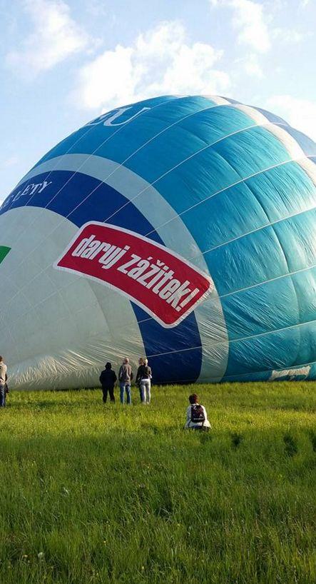 let balónem zážitek k výročí